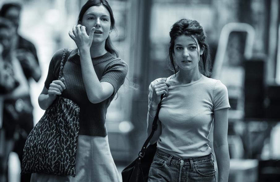 Esther Garrel et Louise Chevillotte